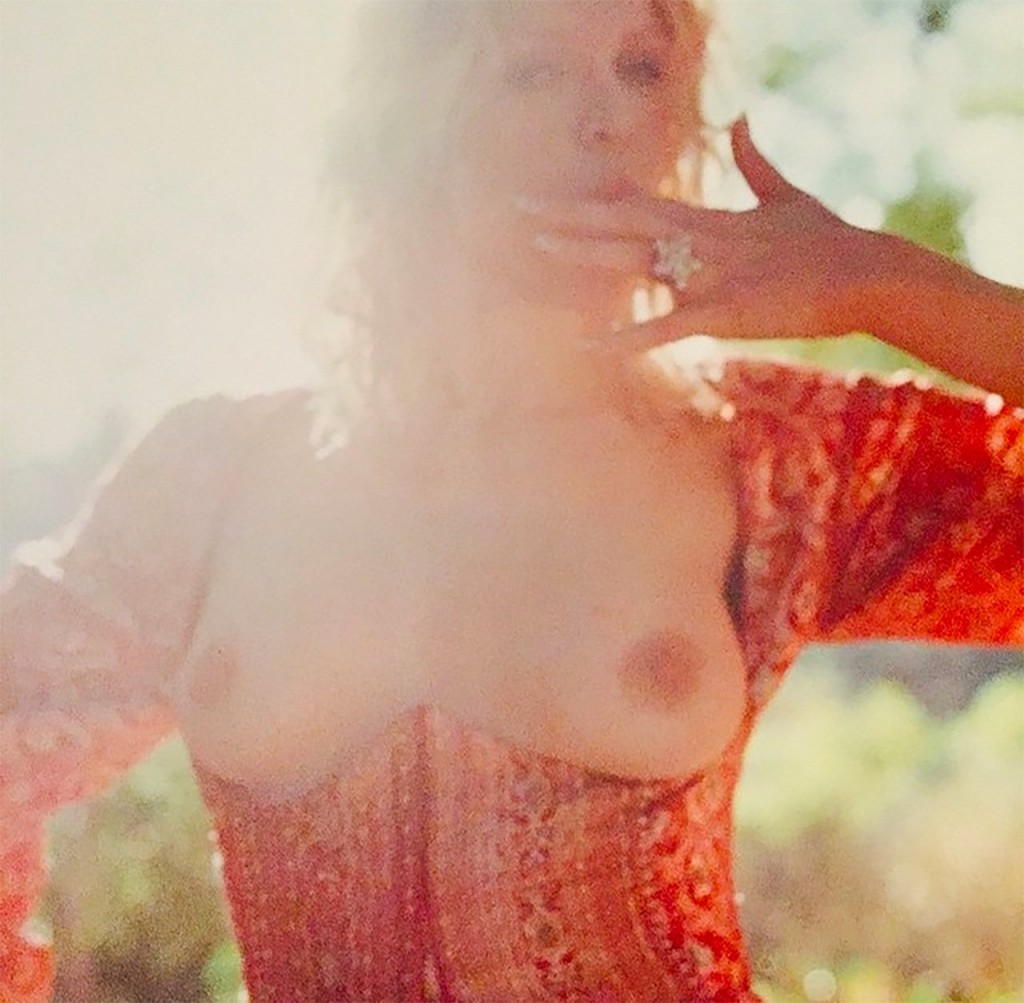 Nude Courtney Love