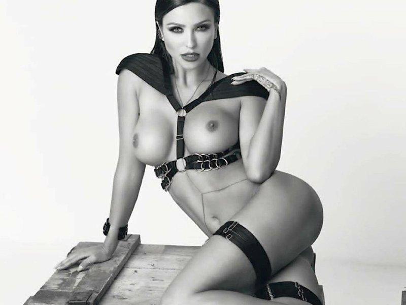 Nude Monika Pietrasinska 1
