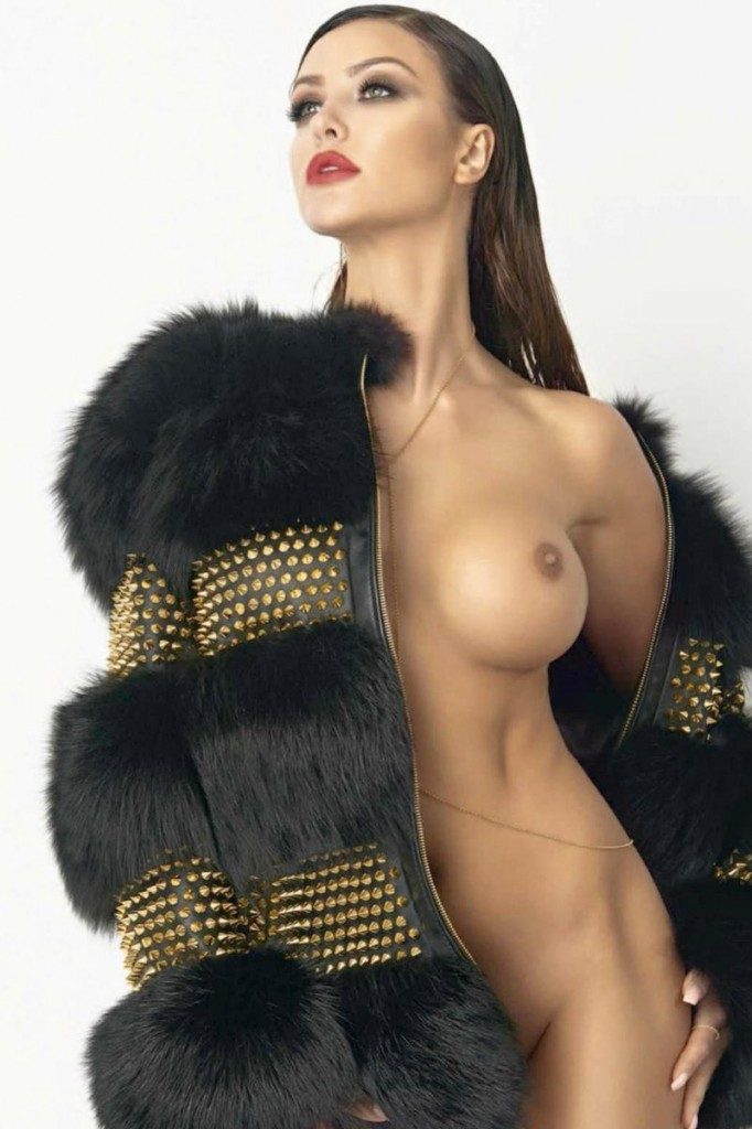 Nude Monika Pietrasinska
