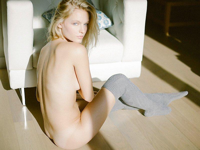 Naked Pics Of Isabella Fa...