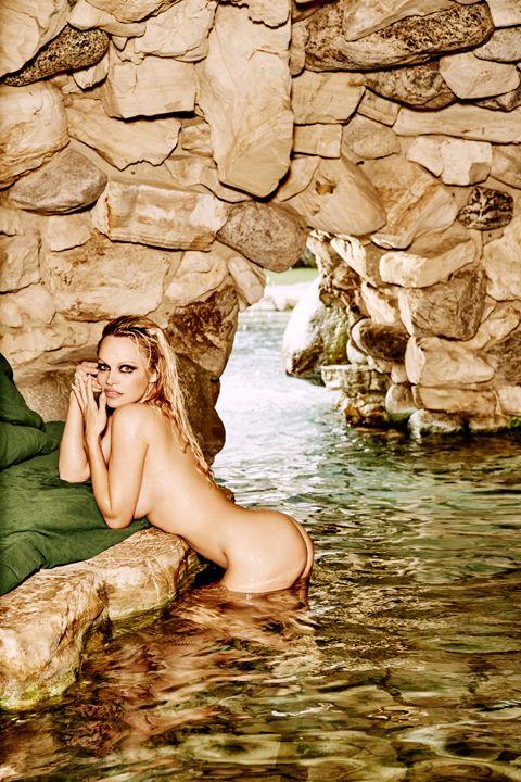 Pamela-Anderson-Nude-Sexy-7