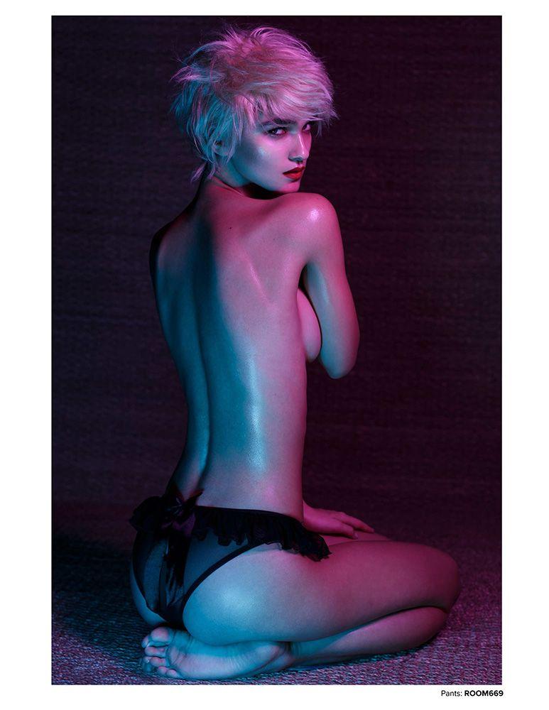 Paula Bulczynska Topless ...