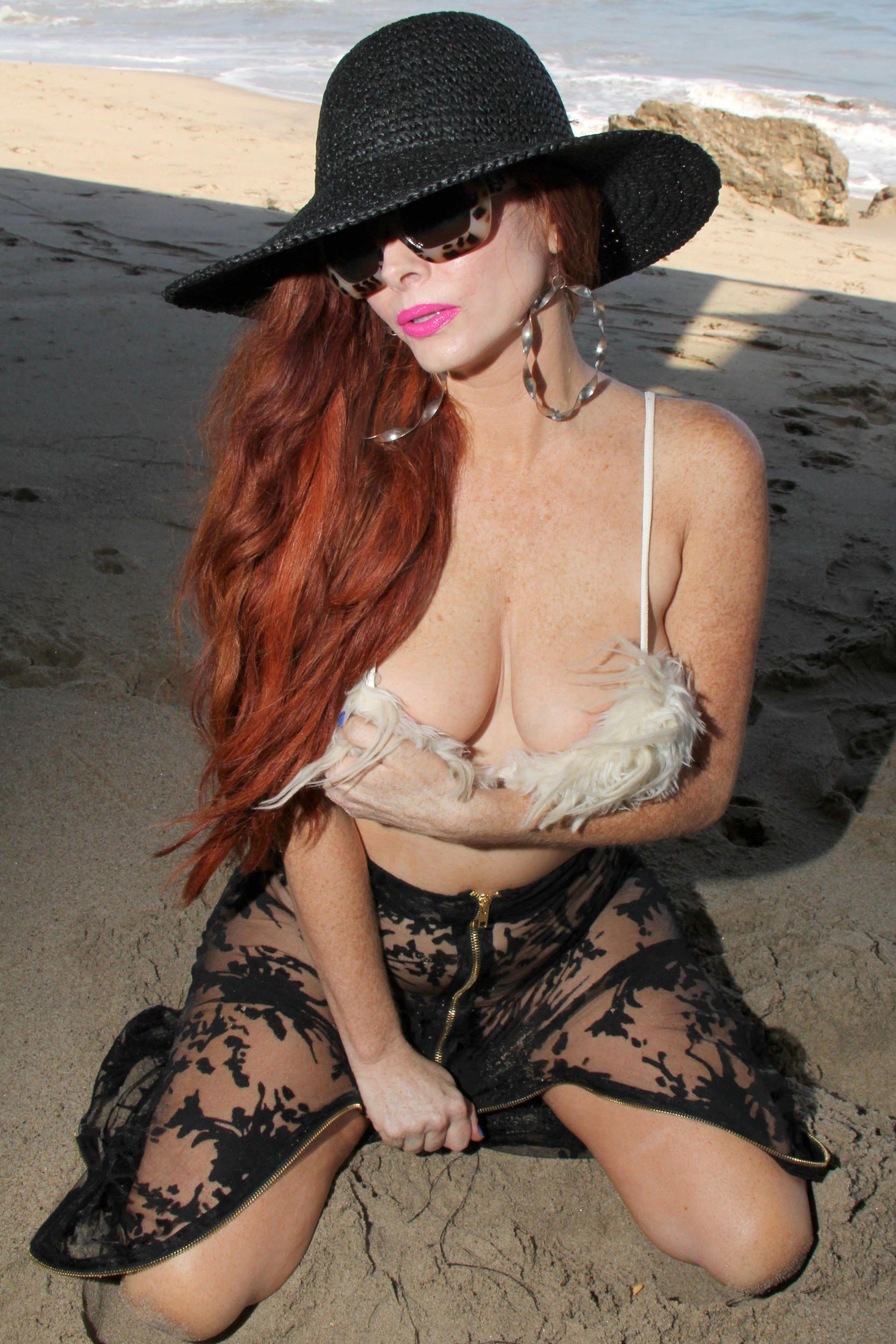 Phoebe Price Topless Pics