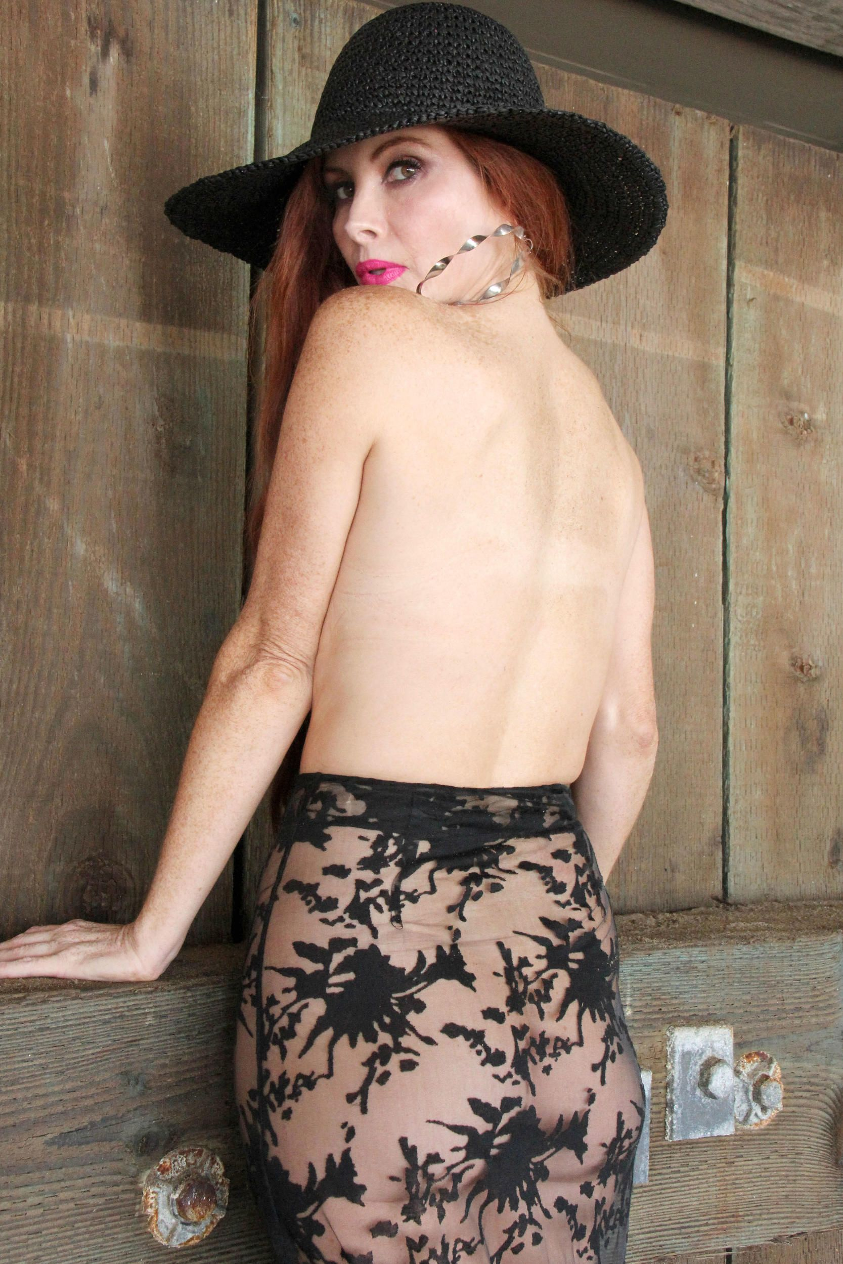Phoebe-Price-Topless-8