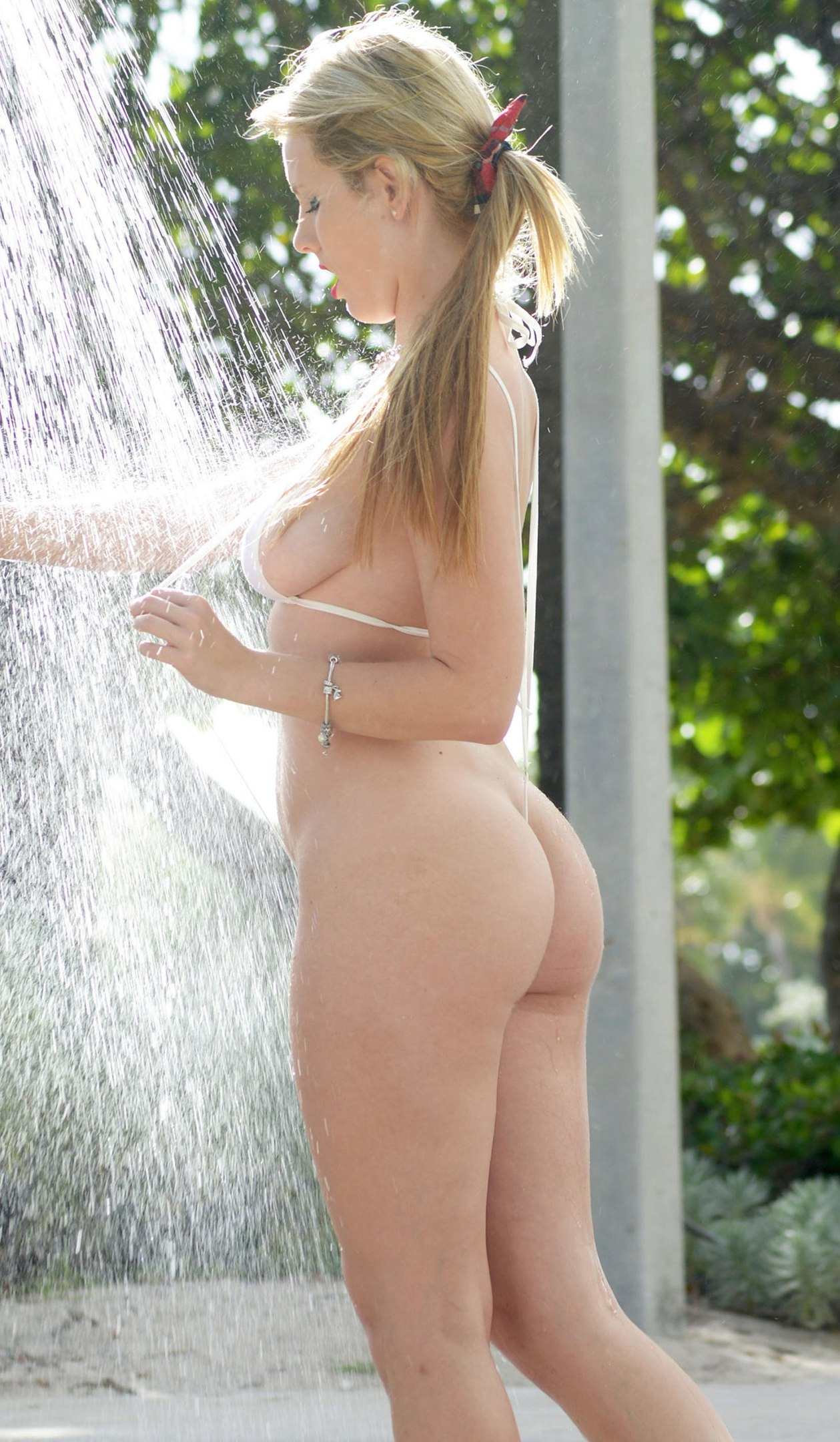 Rachel Sanders Sexy Photo...