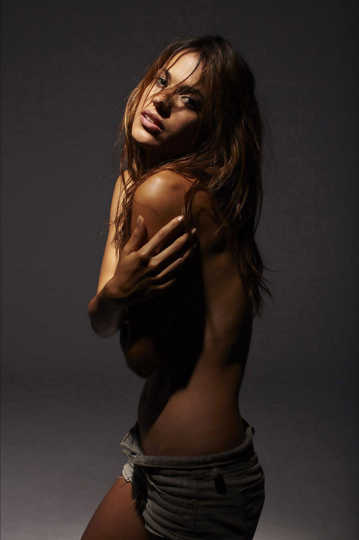 Rayla Jacunda Bikini Pics
