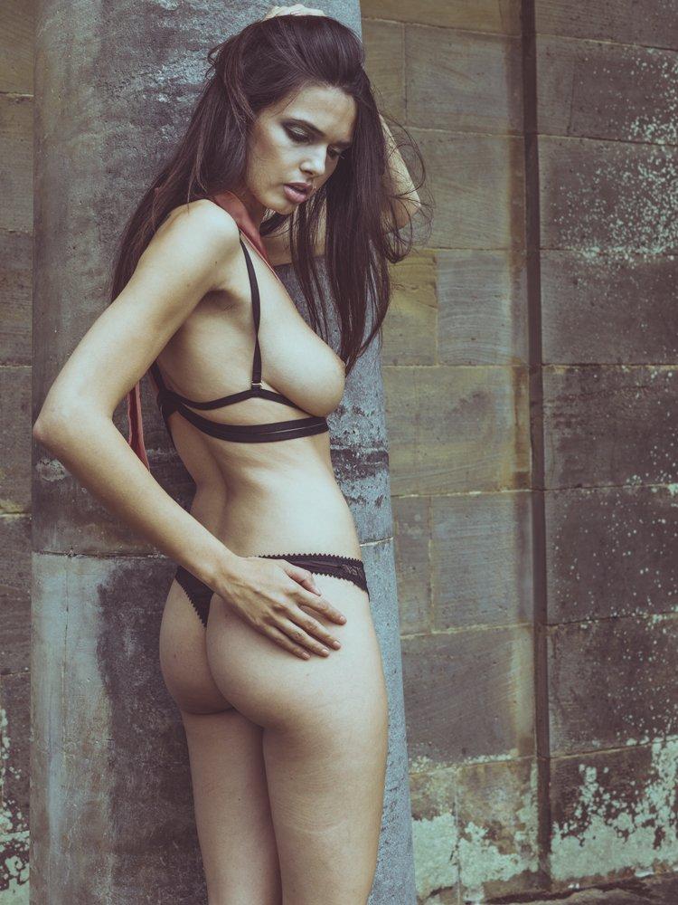 Rebecca Gobbi Topless Pho...