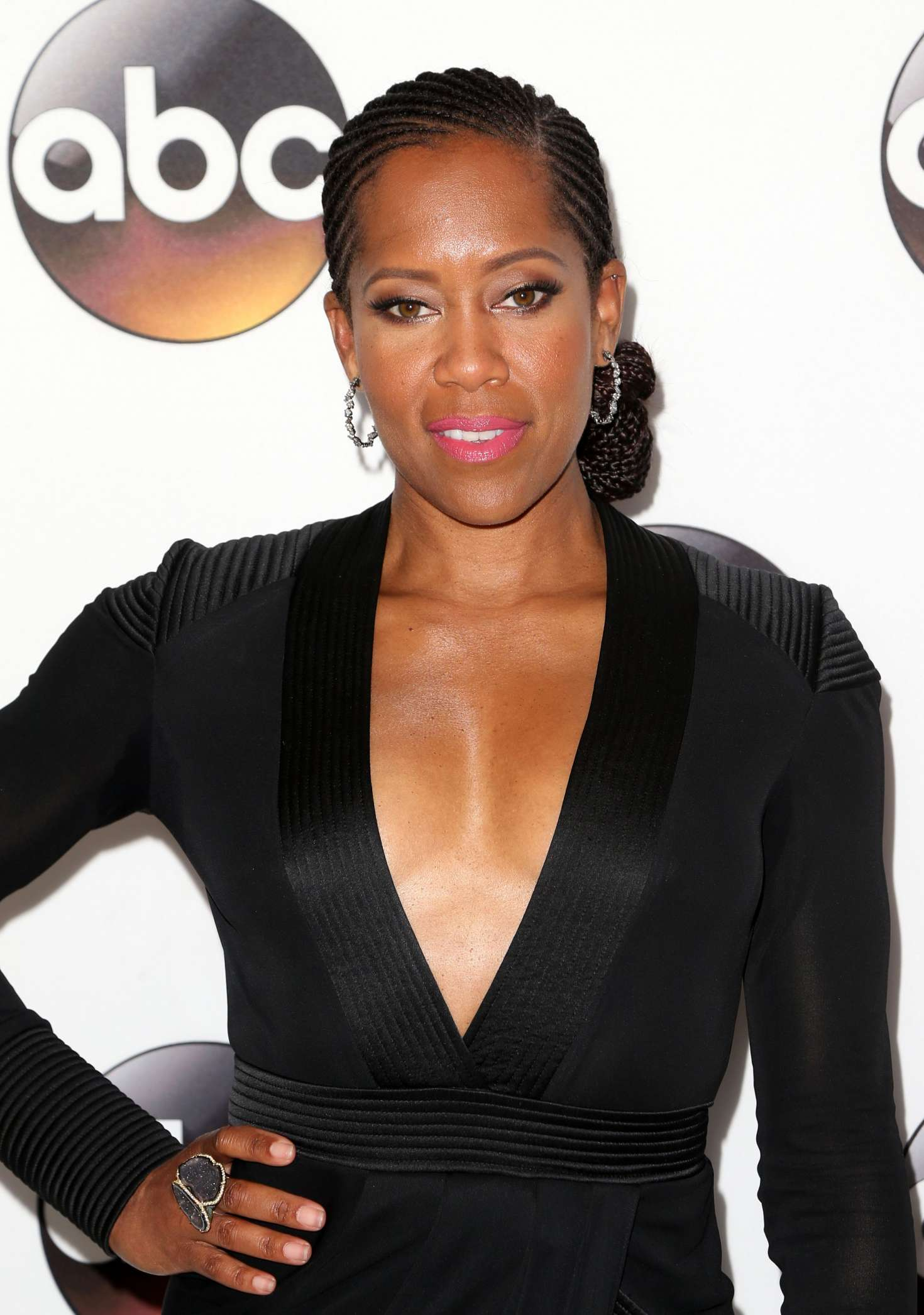 Regina-King-Braless-2