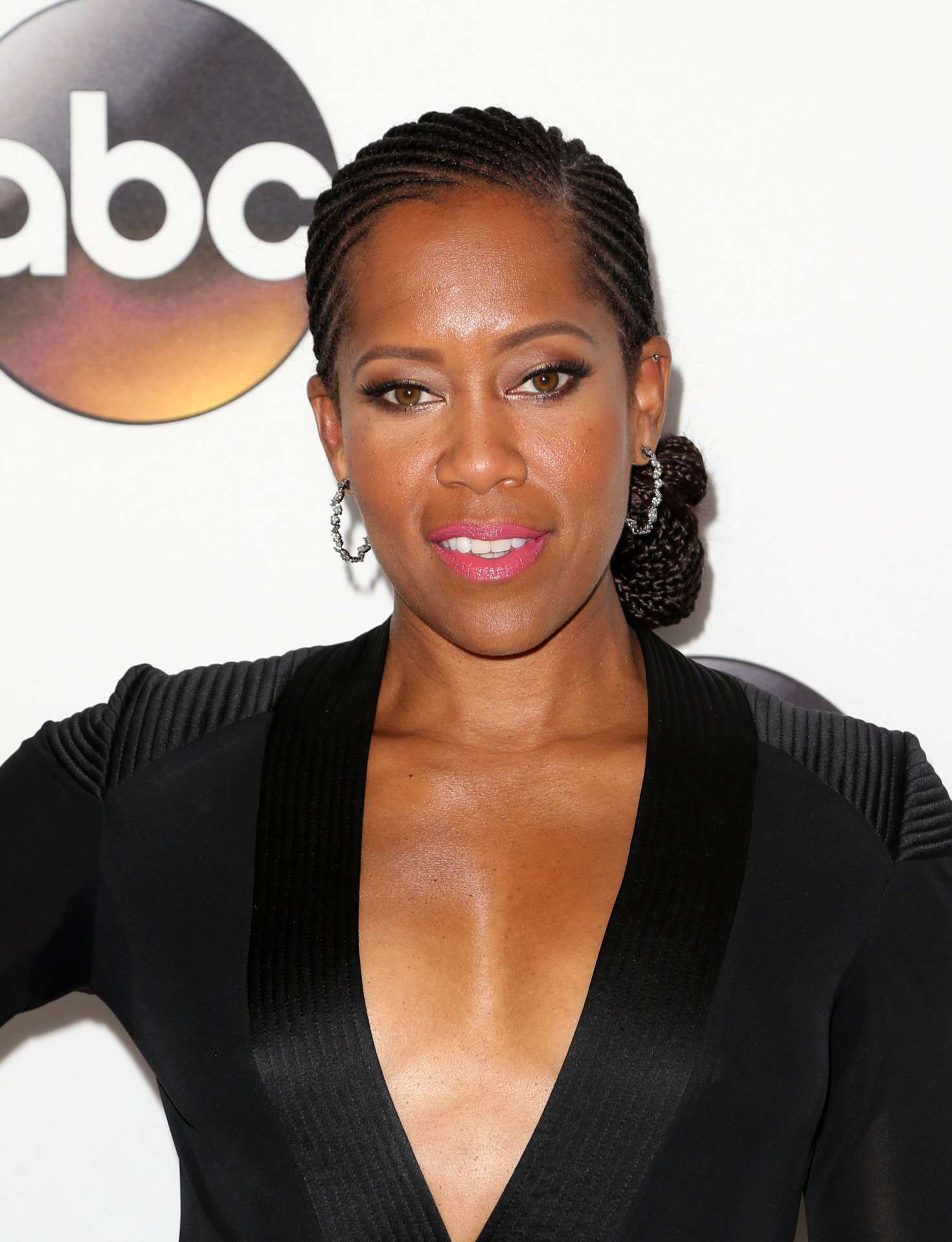 Regina King Braless Photo...