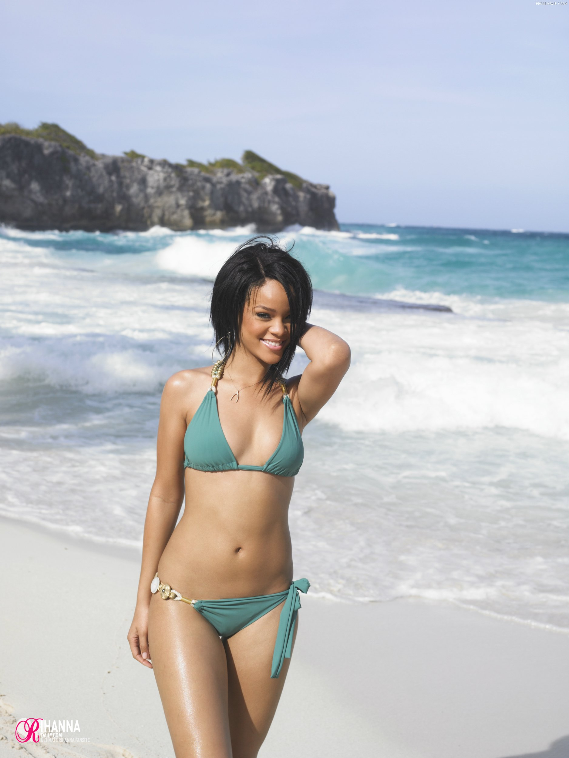 Rihanna Beach Photoshoot 1