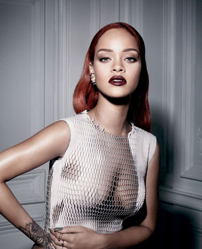 Rihanna Braless Photoshoo...