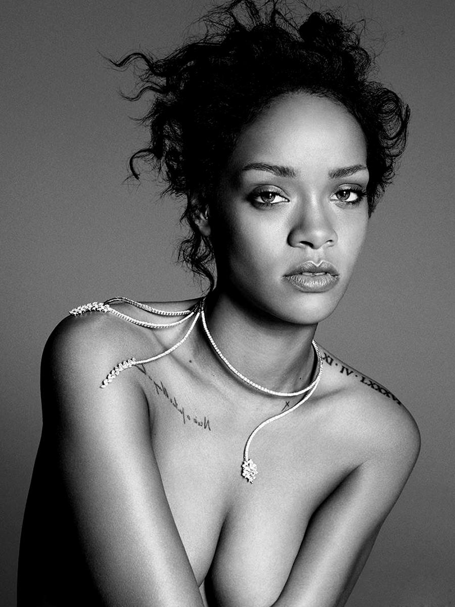 Rihanna Sexy Pics