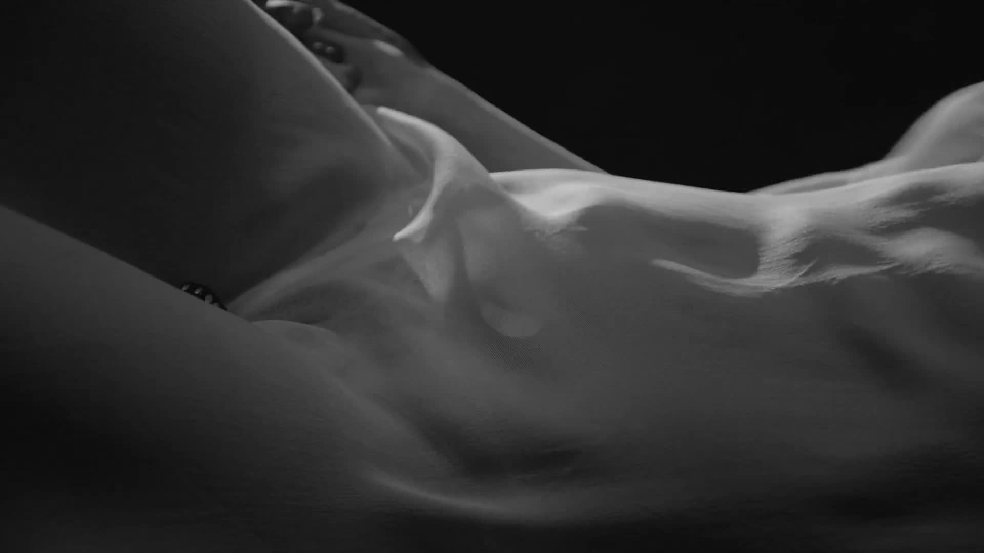 Topless Pics Of Rihanna