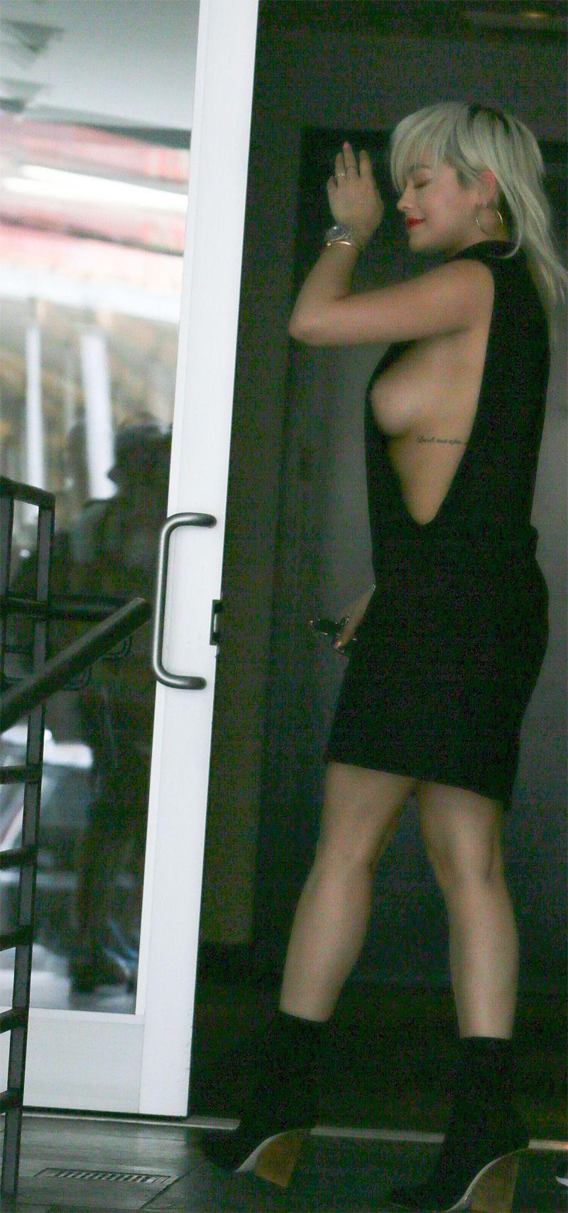Rita Ora Sideboob Pics