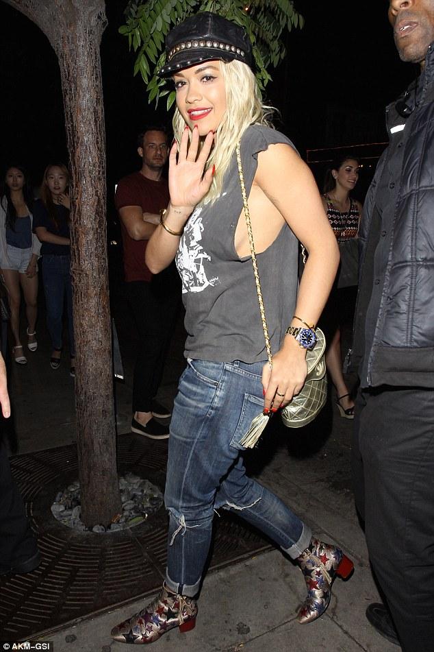 Rita Ora Sideboobs Pics