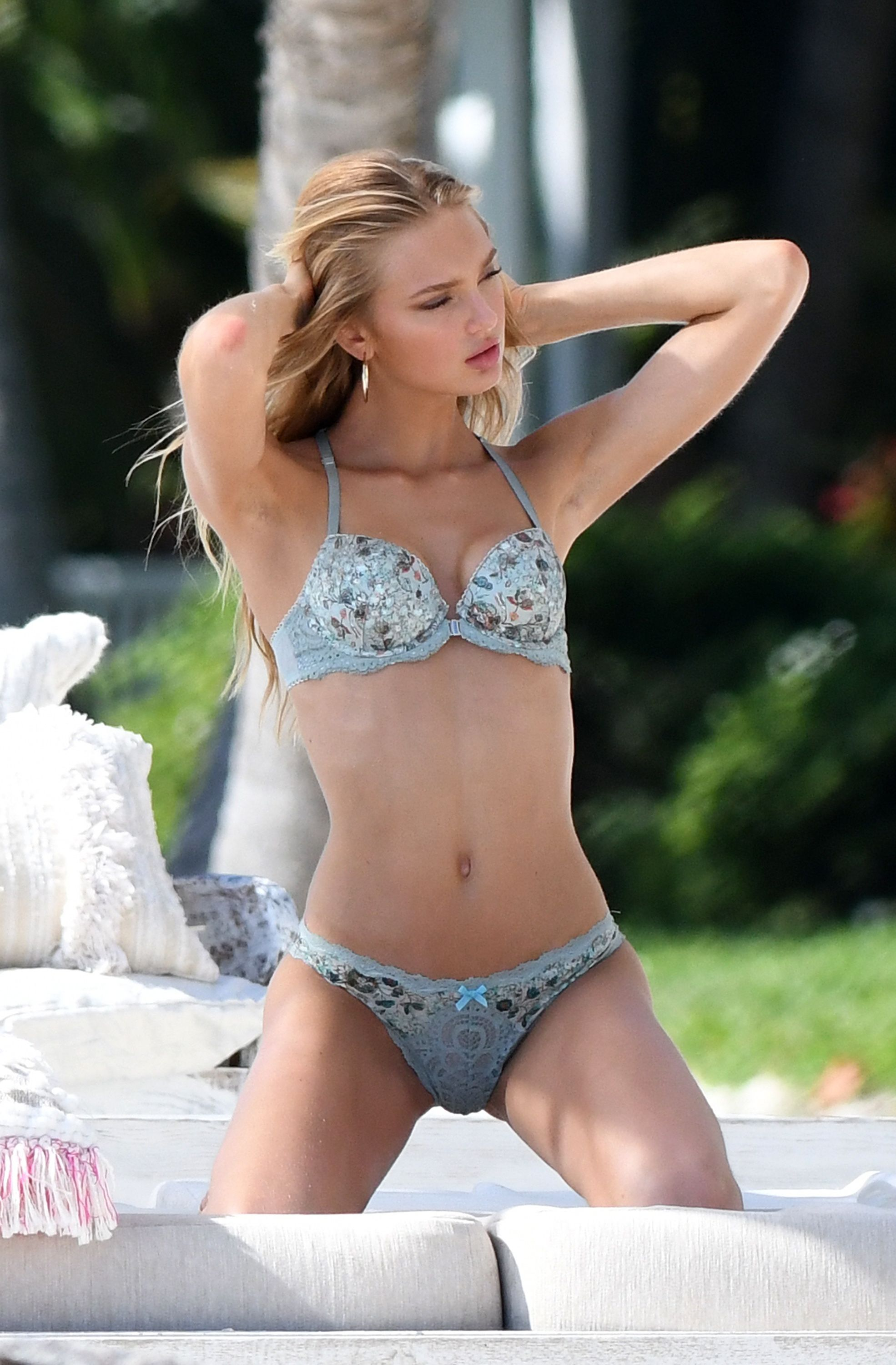 Sexy Photos Of Romee Stri...