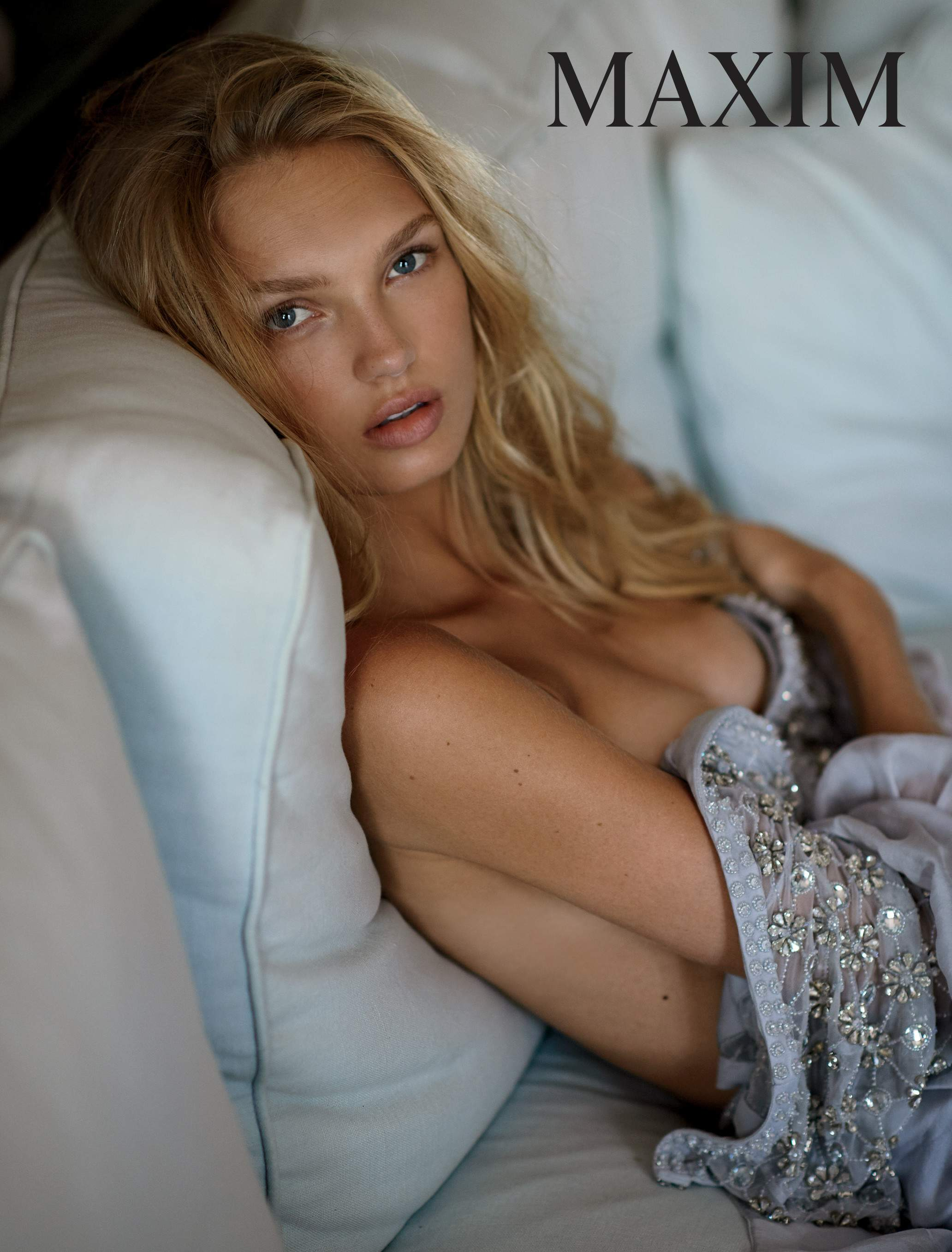 Topless Photos Romee Stri...