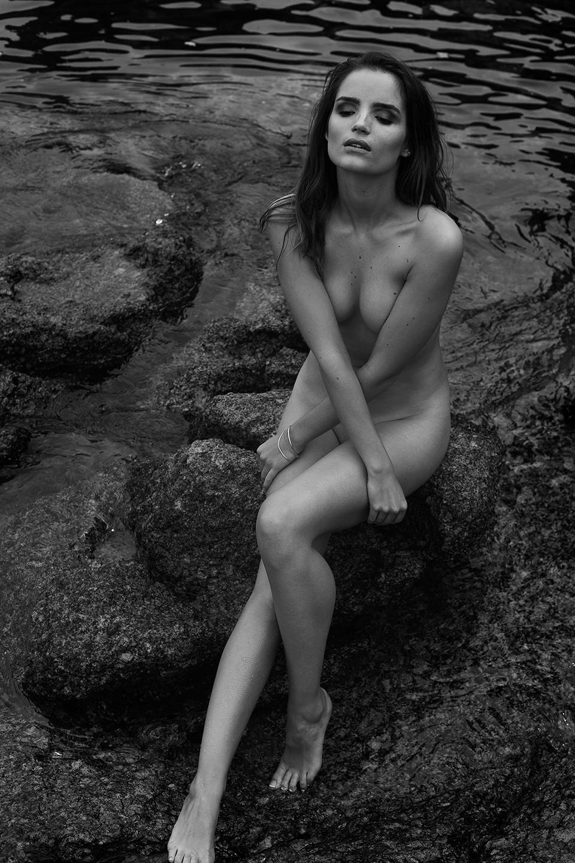 Roos-van-Montfort-Nude-7