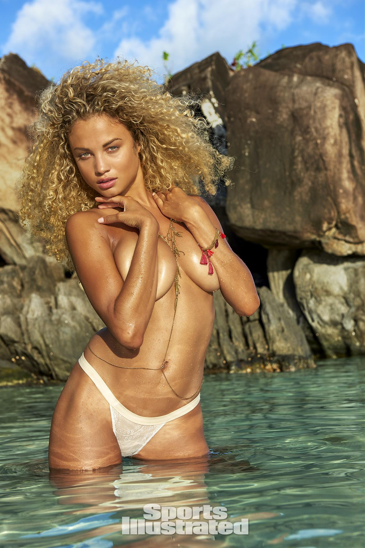 Rose Bertram Sexy Photos