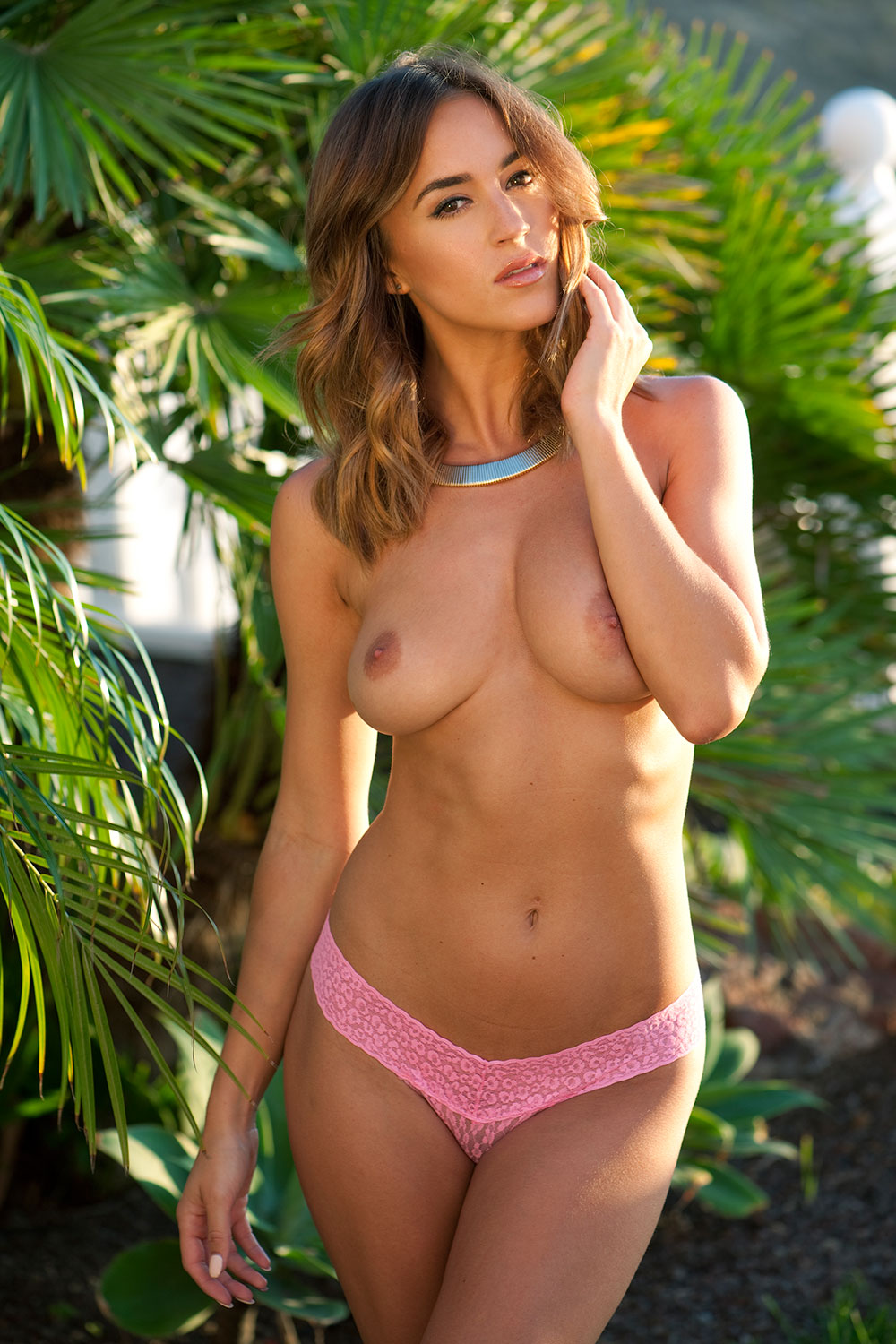 Rosie-Jones-Topless-3 (3)