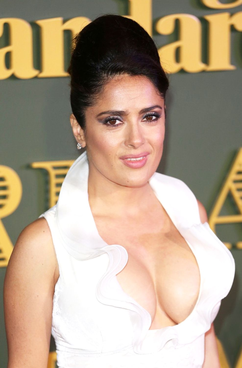 Salma Hayek Boobs Photos