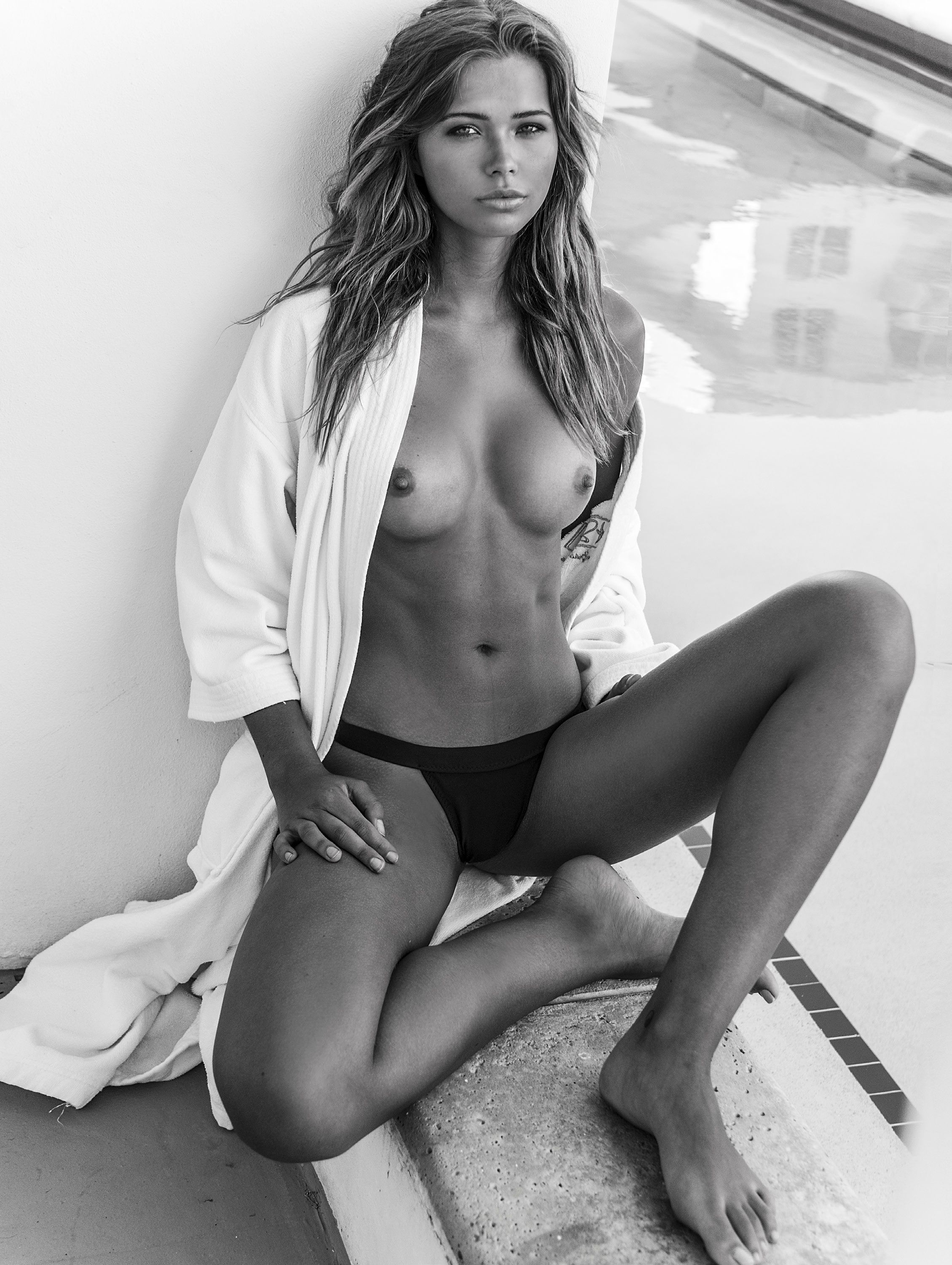 Sandra Kubicka Nude Photo...