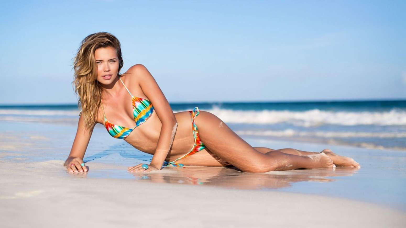Sandra Kubicka Sexy Photo...