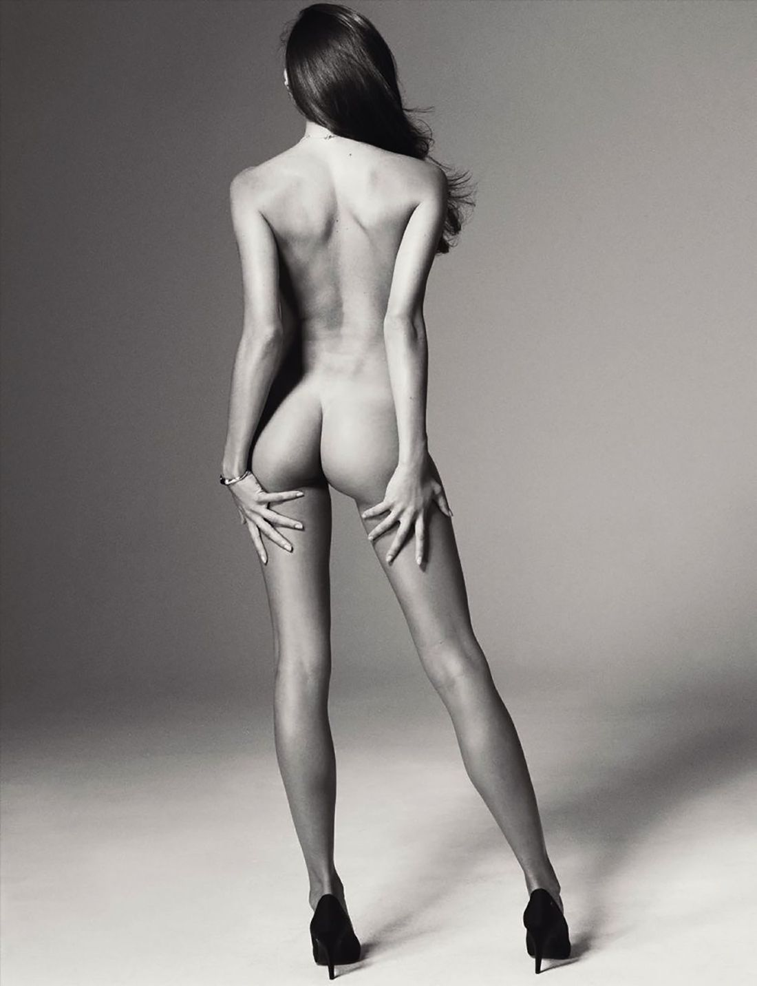 Sara Sampaio Naked Pics