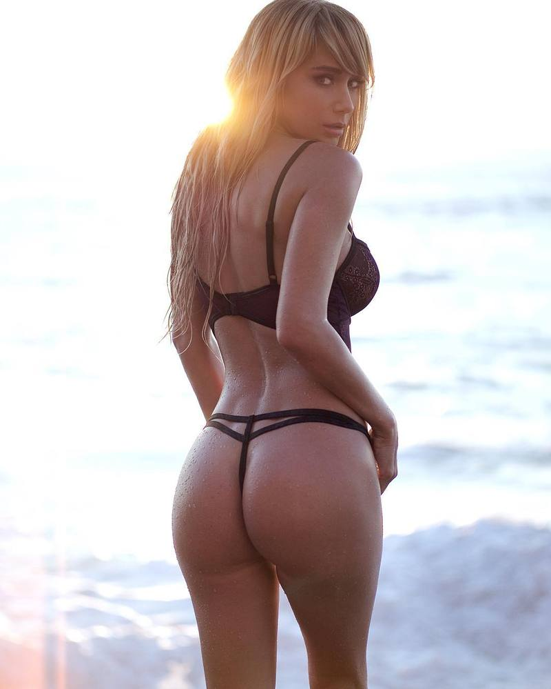 Sara Underwood Butt Photo