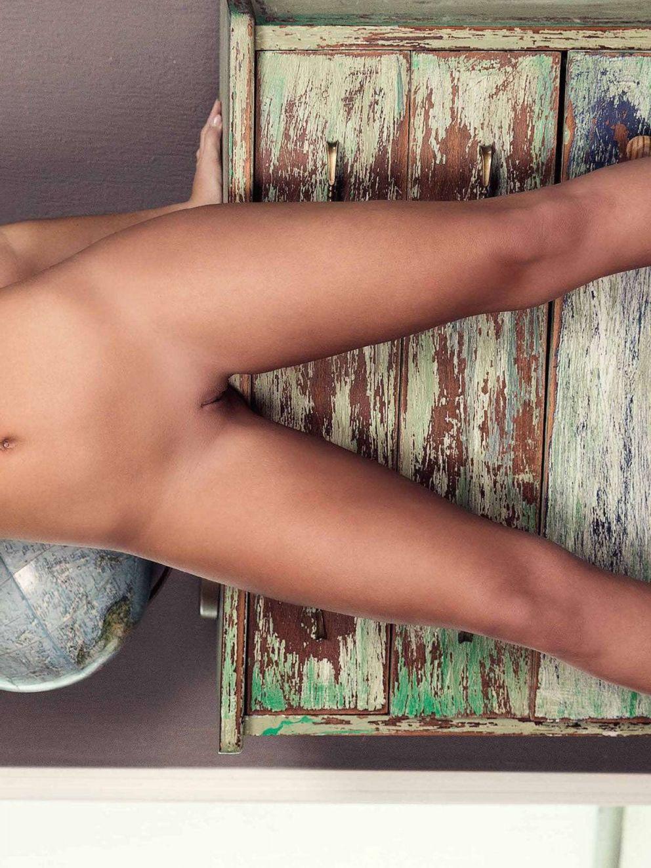 Sarah Louise Harris Nude ...