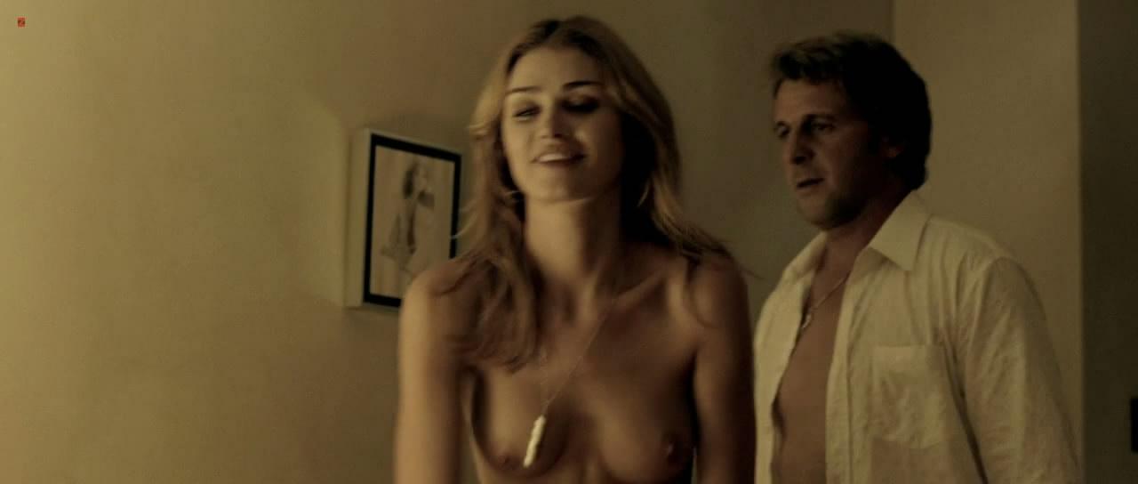 Sarah Mutch Nude Scene