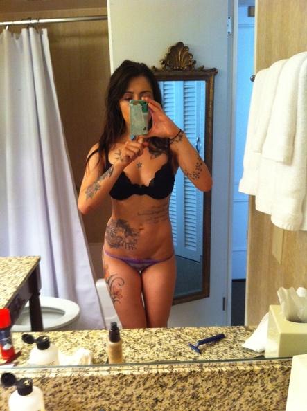 Sarah Shahi Sexy Selfies