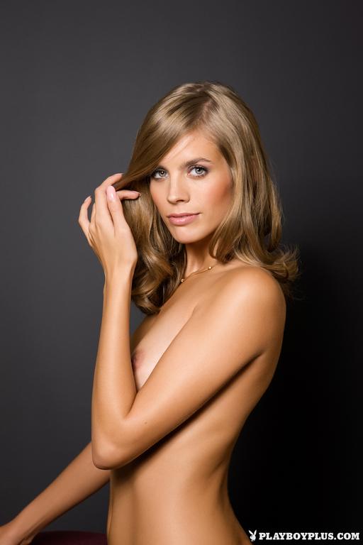 Nude Pics Of Sarah Smit