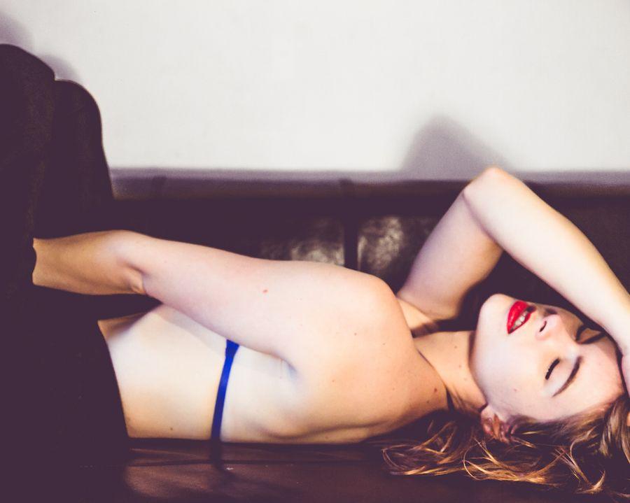 Sarah Tansy Sexy Photos