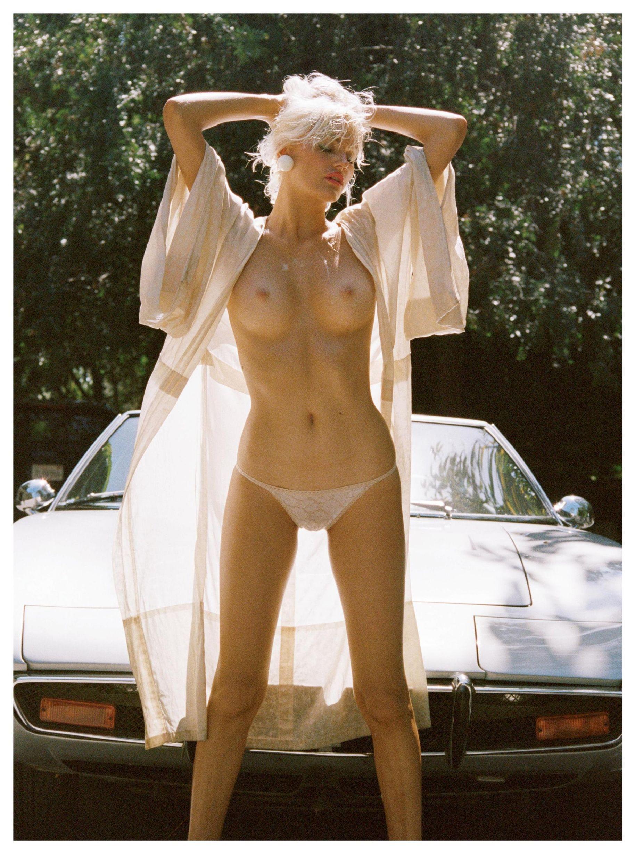 Sasha Melnychuk naked (2)