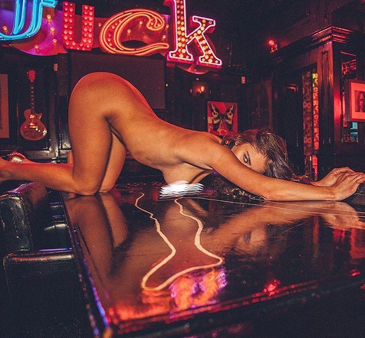 Scarlet Bouvier Nude Phot...