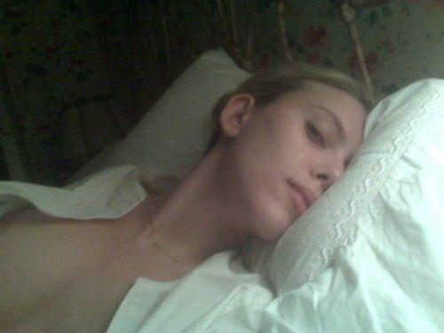 Scarlett Johansson Nude L...