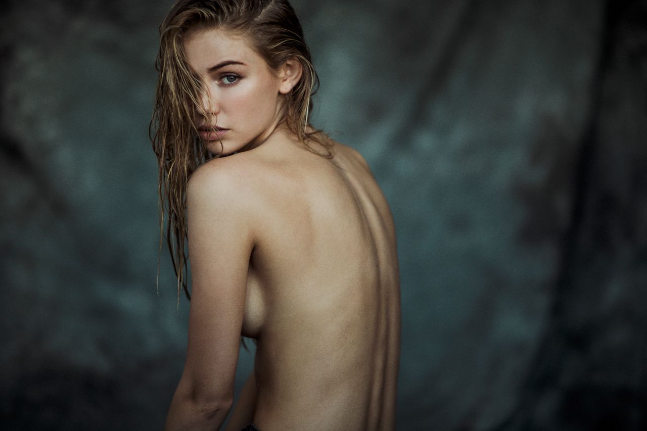 Topless Photos Of Scarlet...
