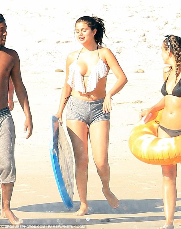Selena Gomez Bikini Pics