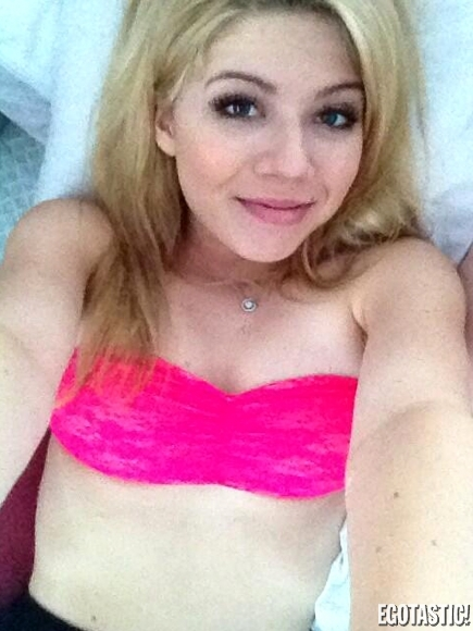 Sexy Selfies Of Jennette ...