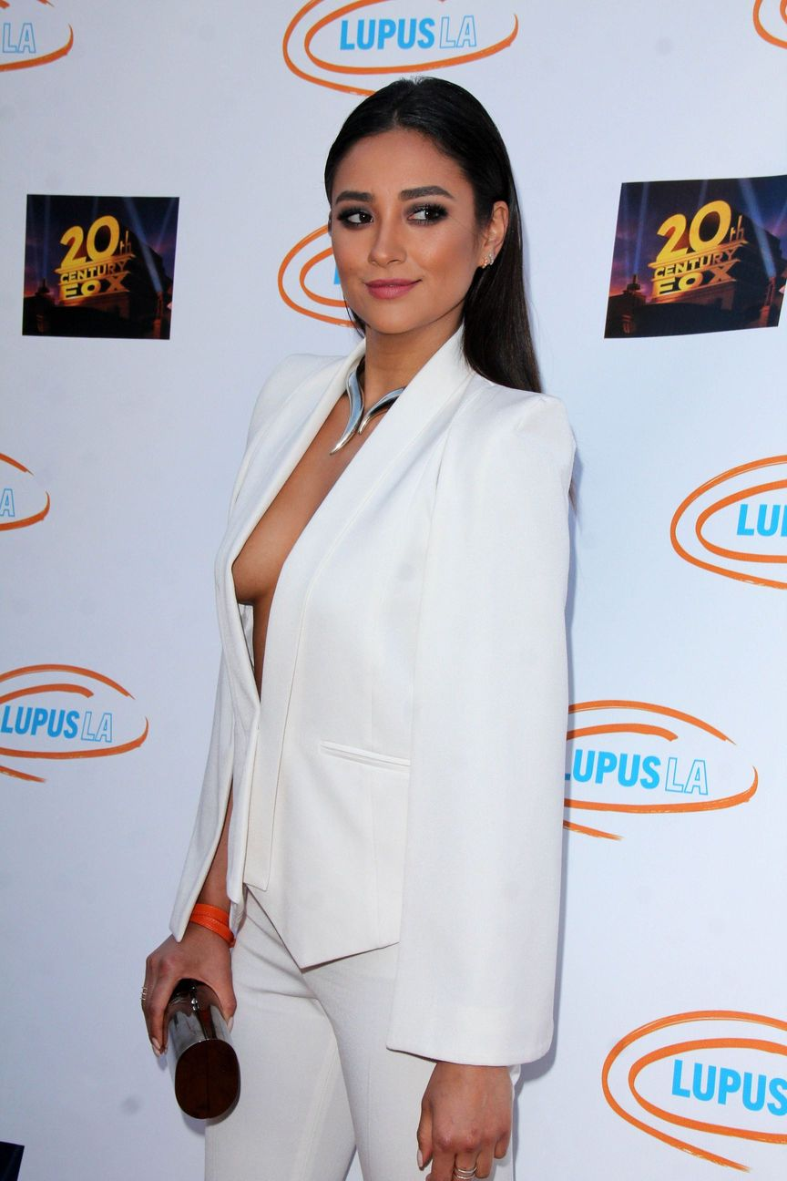 Shay Mitchell Nipslip Photos  2