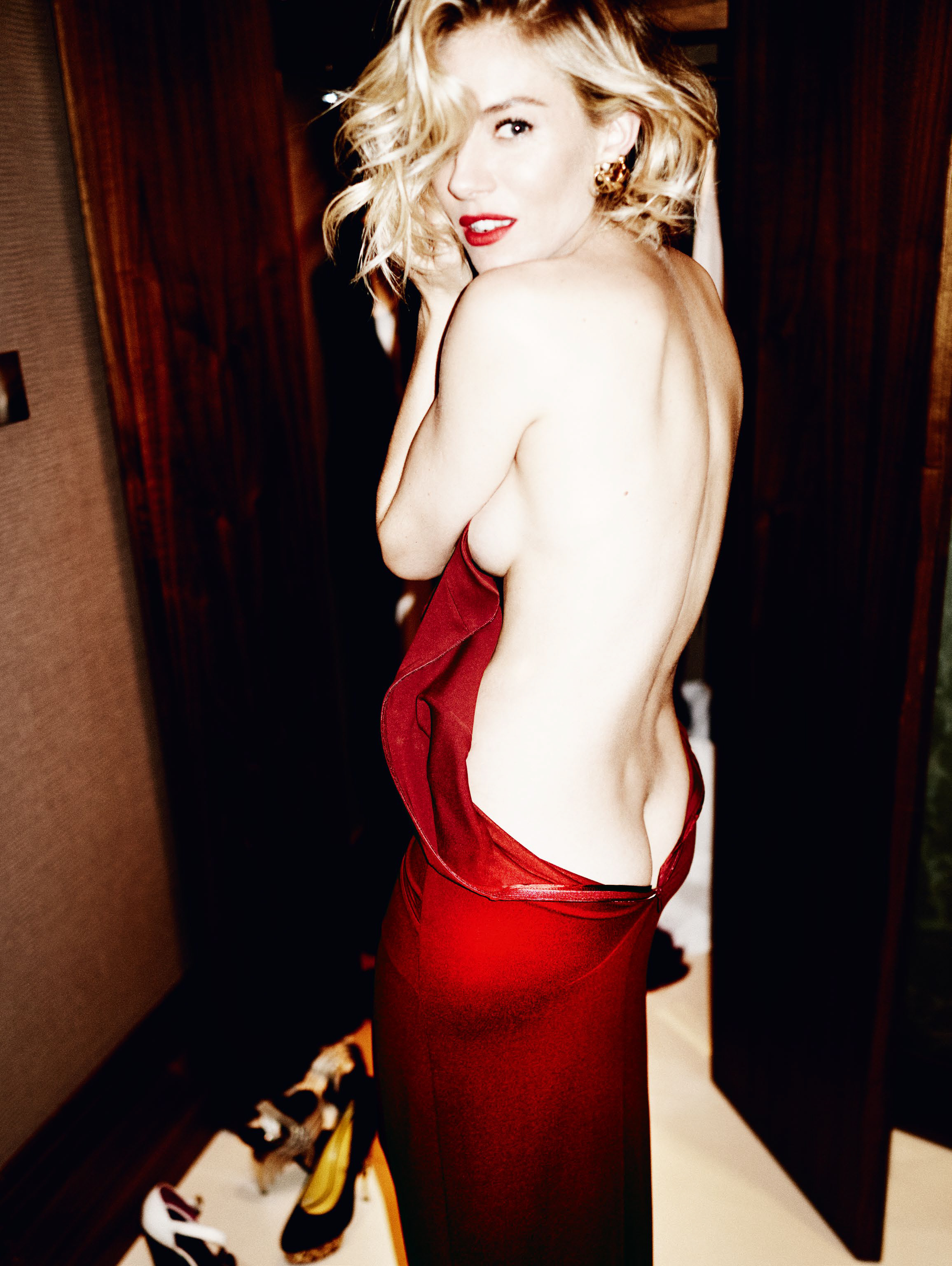 Sienna Miller Sideboob Ph...