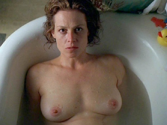 Sigourney Weaver Naked Ph...