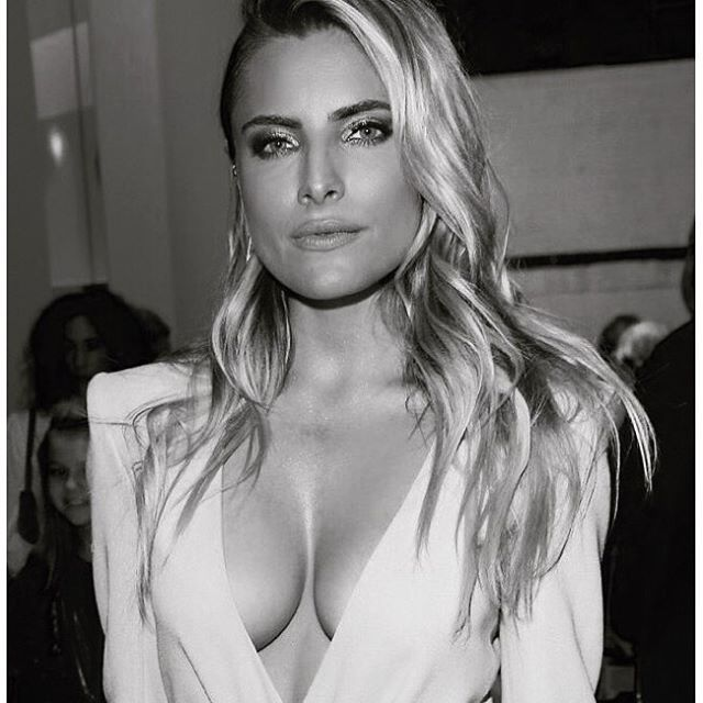 Sophia Thomalla Cleavage ...