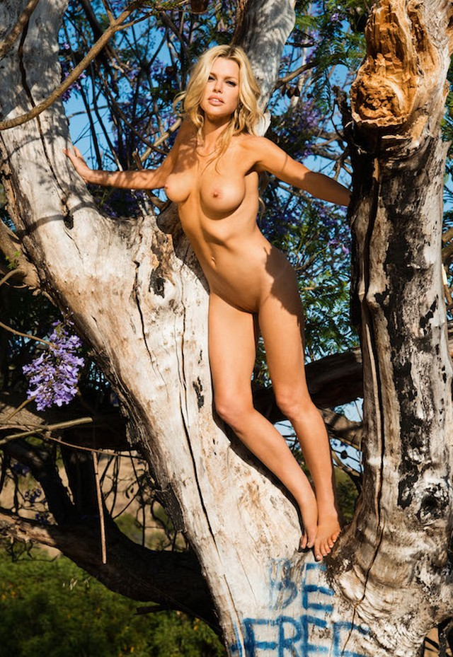 Sophie Monk Topless Pics