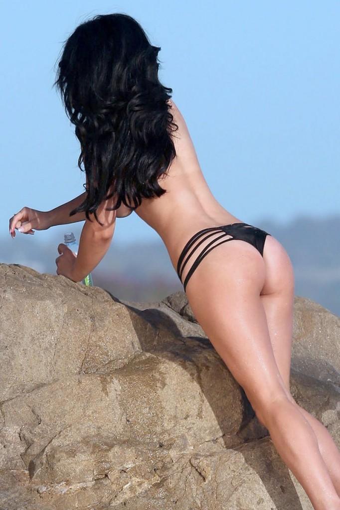 Stefanie Knight Topless P...
