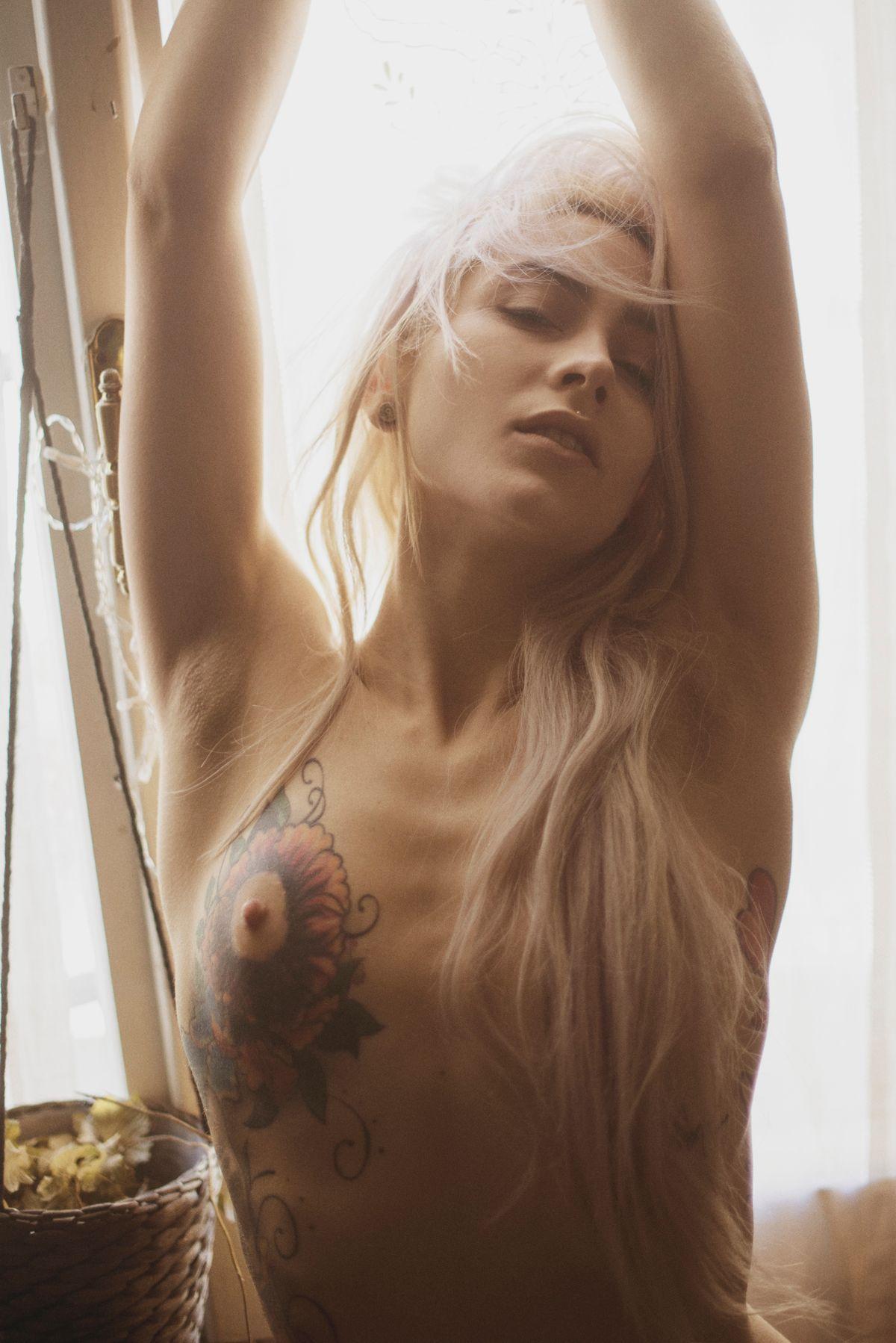 Topless Pics Of Stella Di...