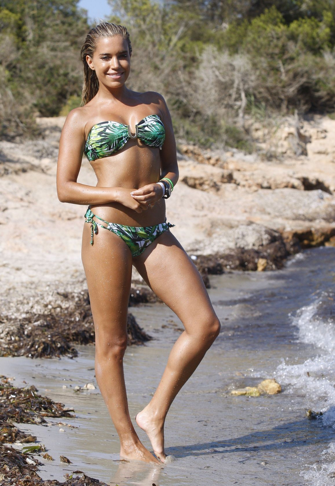 Sylvie-Meis-Bikini-15