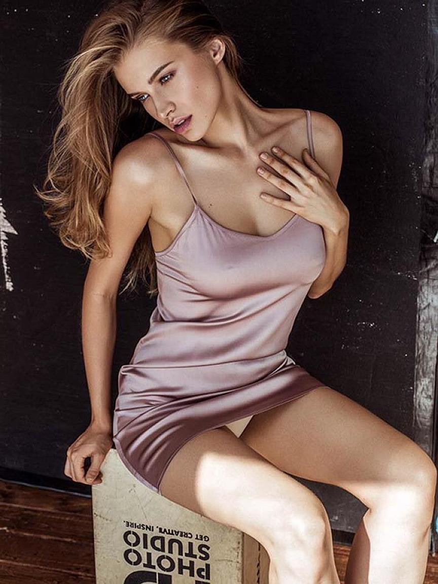 Tanya Mityushina Sexy Pho...