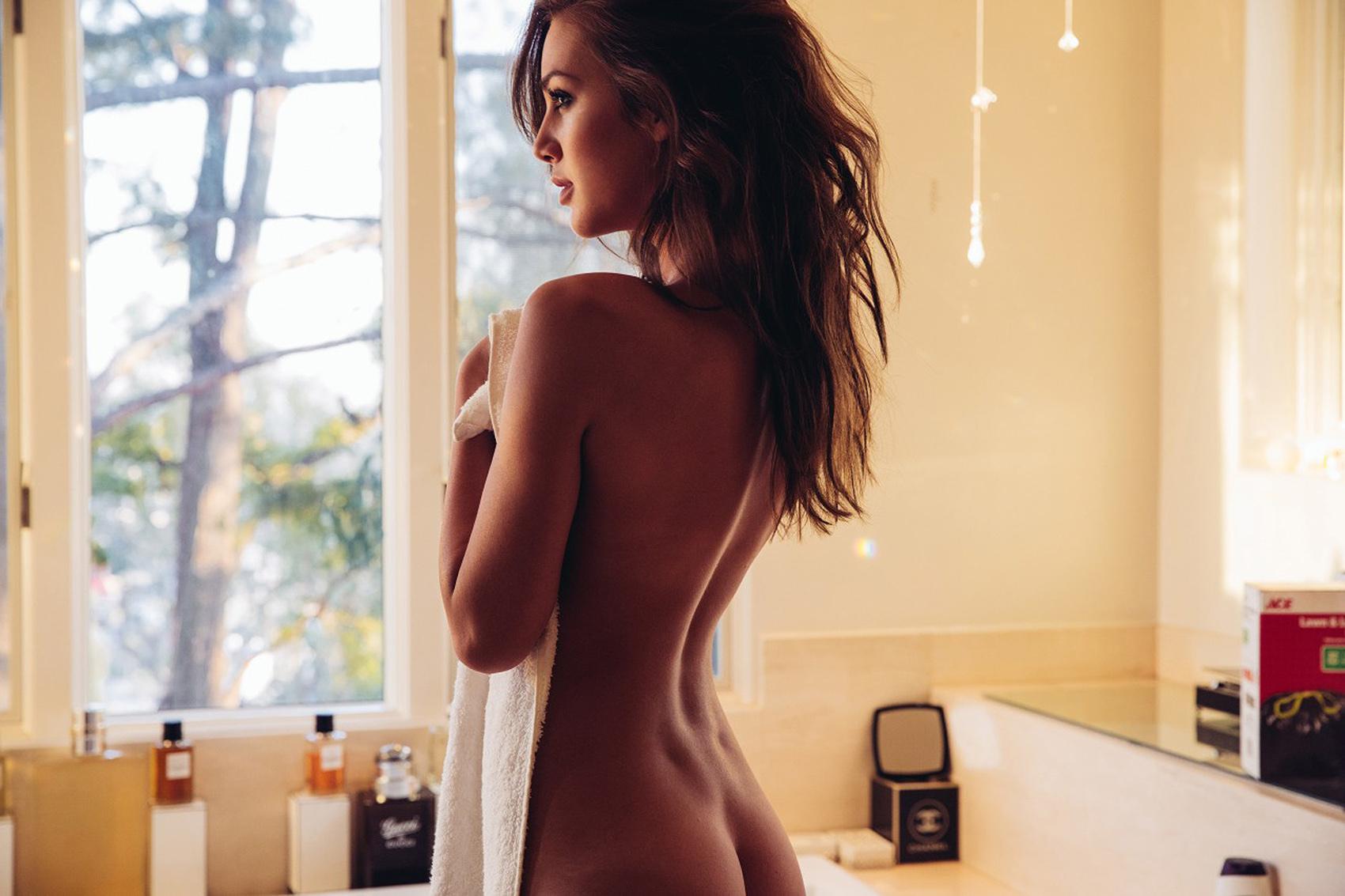 Tatiana Dieteman Sexy Pho...
